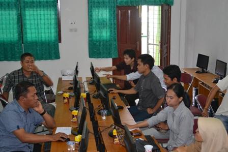 Pelatihan Web dan Sistem Informasi Akademik