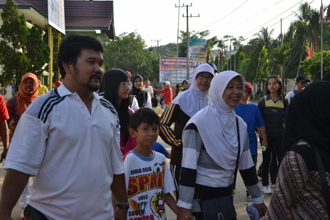 Jalan Santai Dalam Rangka Lustrum dan WisudaTahun 2011